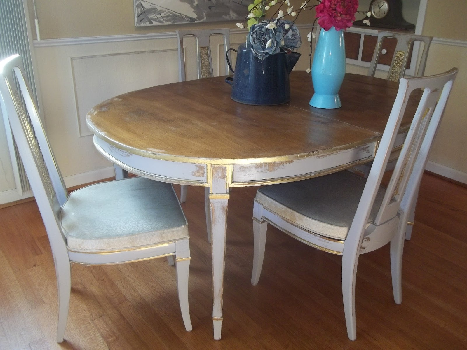 Elegant Dining Room Distressed Gray And Gold TAble And