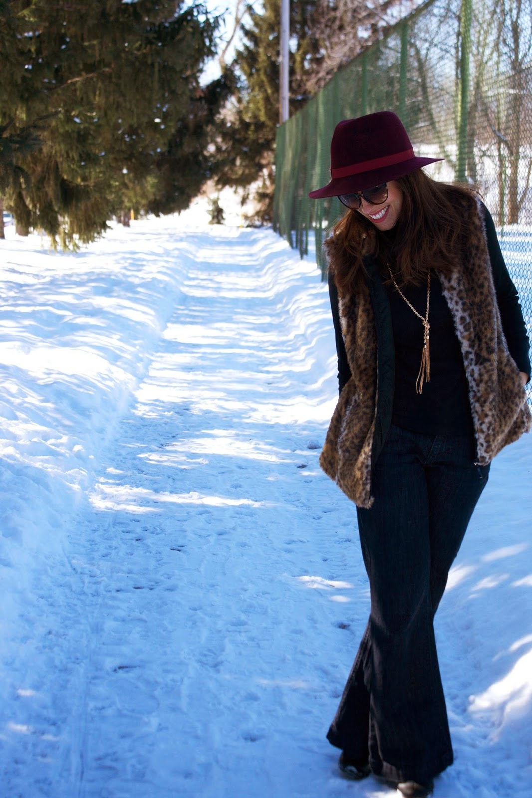 faux fur, panama hat, leopard, chain necklace