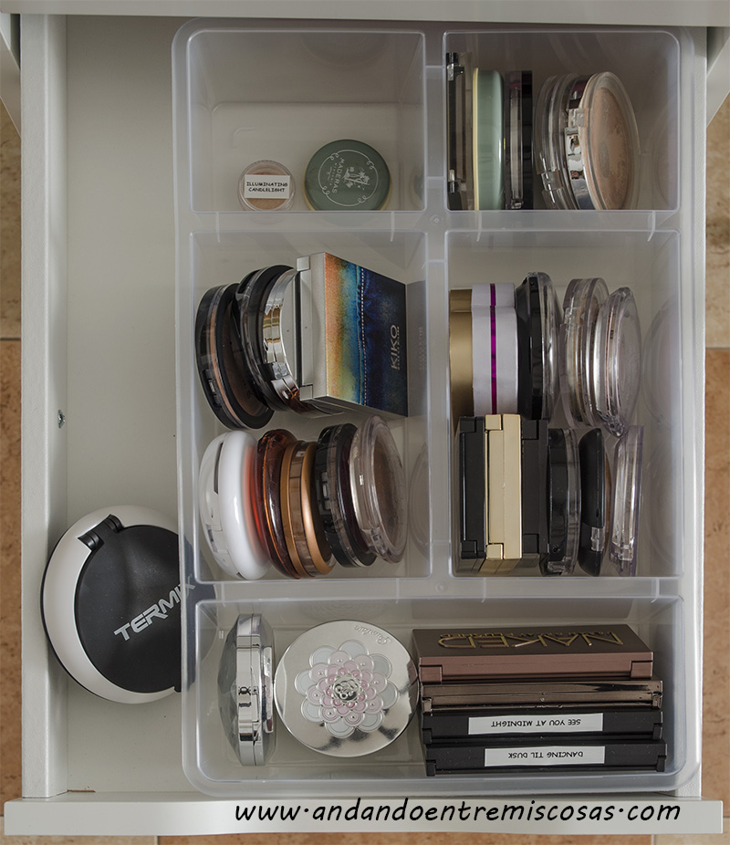 Organización de maquillaje 2