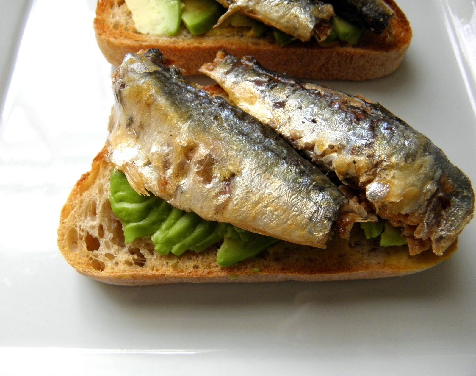 sardines sandwich Open-faced sardine and onion sandwich was this sandwich good are you kidding me it was so satisfying the sardines themselves lend the flavor and texture of what.