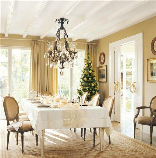 beautiful hoy os traemos una preciosa casa decorada de navidad publicada en la revista el mueble sabemos que sois muchos los seguidores de esta publicacin