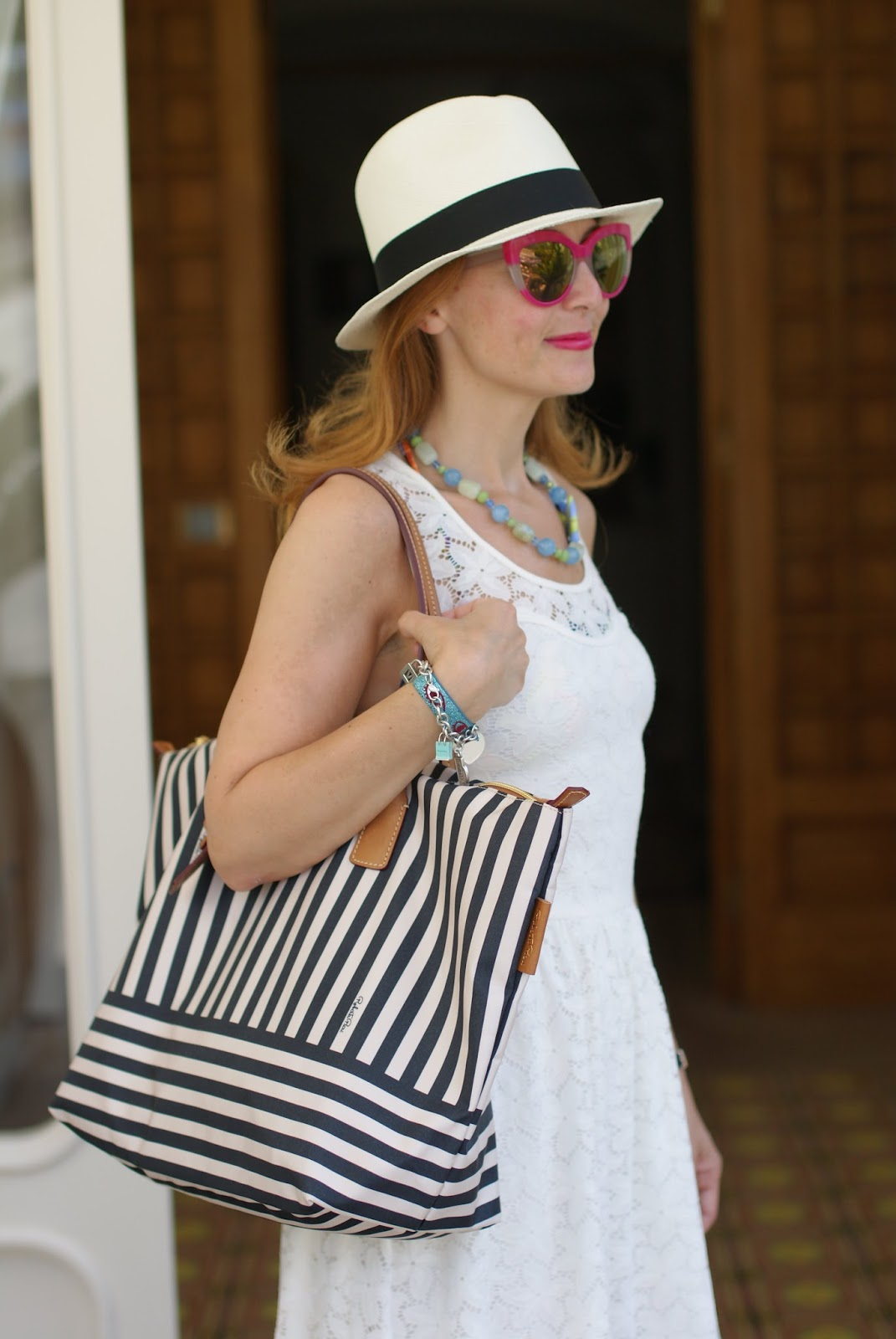 Amalfi coast look, what to wear on the Amalfi Coast, Ecua-Andino panama hat and Robertina bag on Fashion and Cookies fashion blog, fashion blogger style