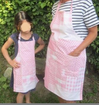 La petite maison de sylvie tablier mamie et petite fille for Tablier de cuisine pour petite fille