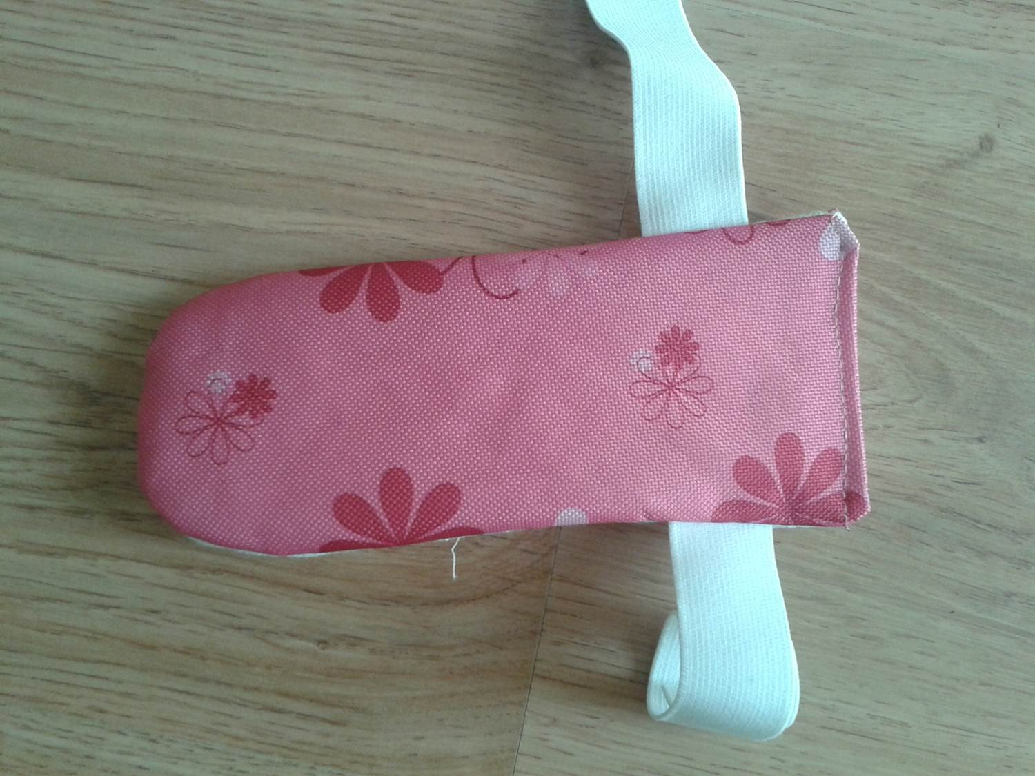 diy sports ipod armband pouch with pattern keeping it real. Black Bedroom Furniture Sets. Home Design Ideas
