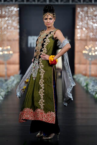Sara Rohale Asghar Collection At PFDC L'Oreal Paris Bridal Week 2011
