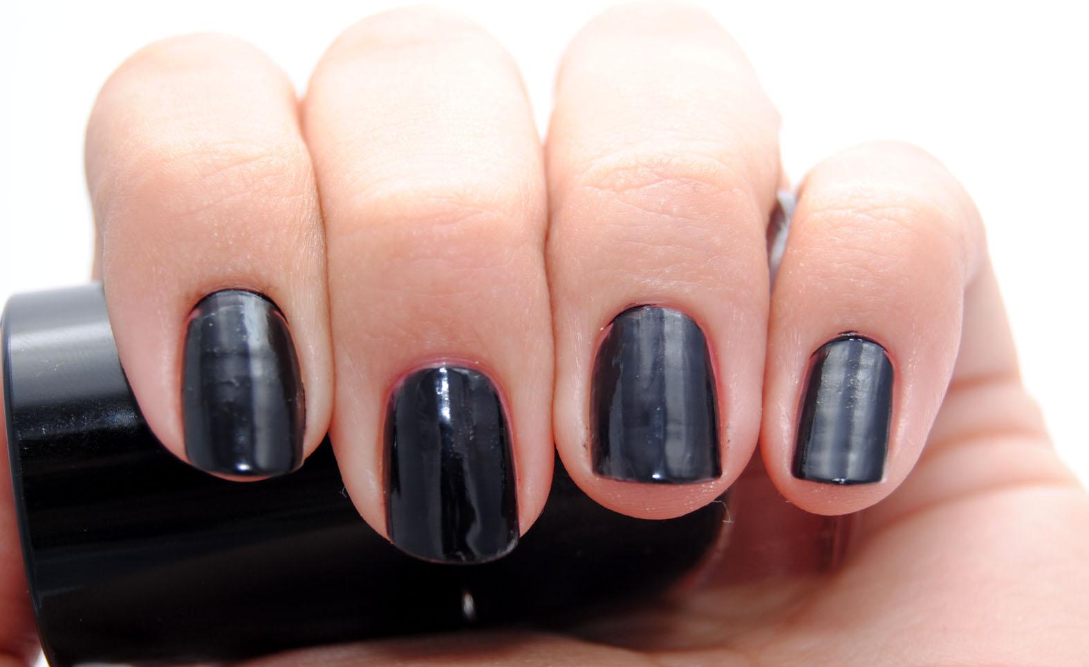 Rituals Nail varnish negro swatch