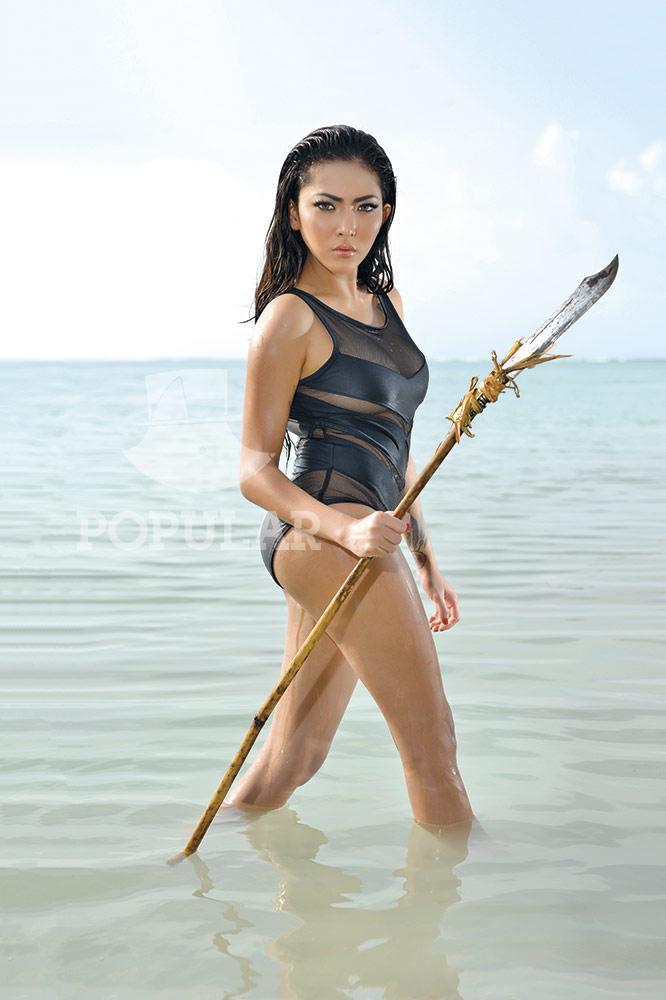 foto hot ayu aulia di majalah popular world agustus 2015