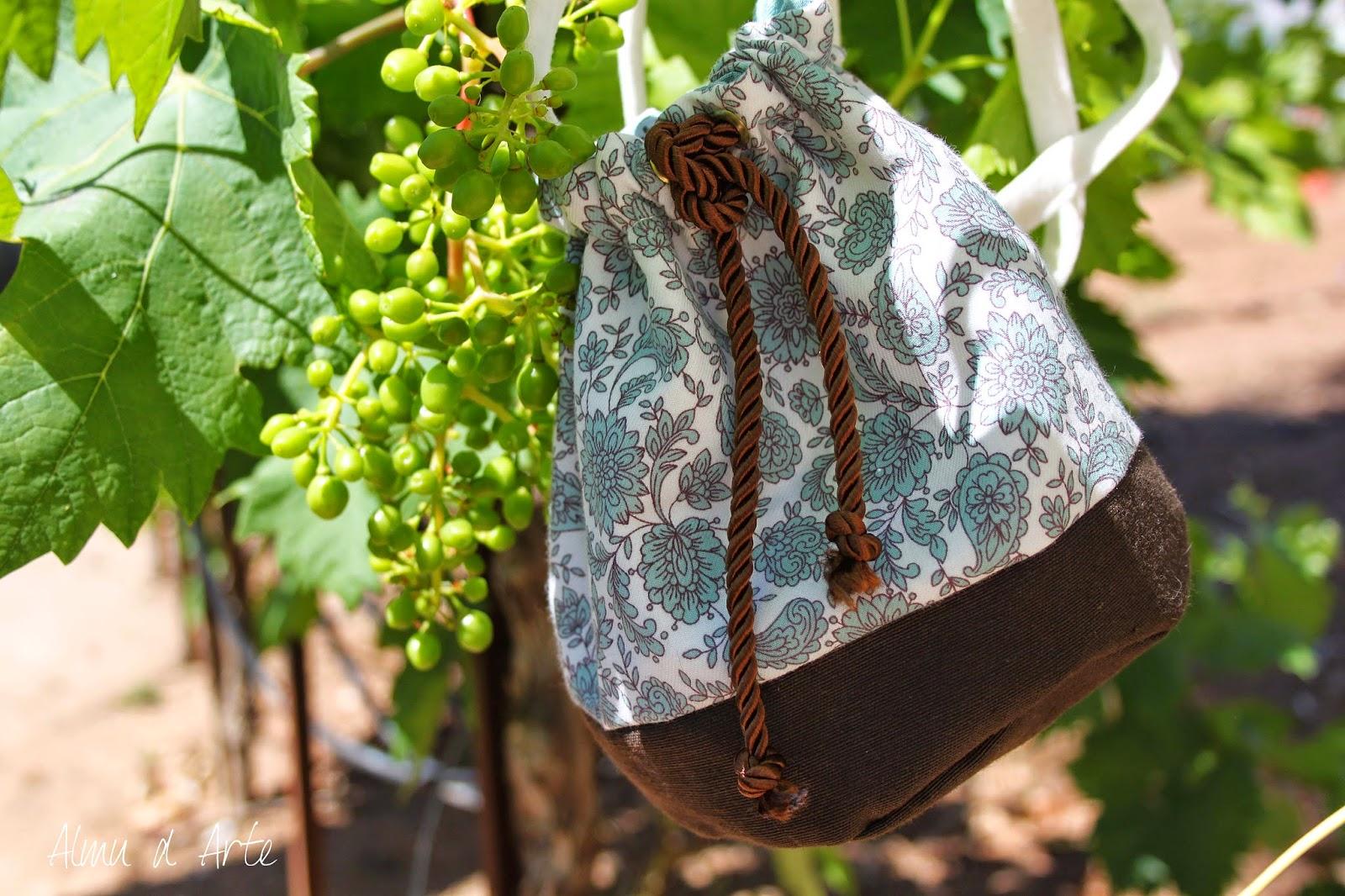 Bolso de tela para mujer hecho a mano