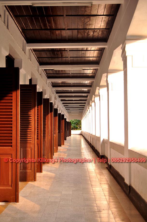 Berwisata Di Lawang Sewu Semarang Fotografer Momom darmawan