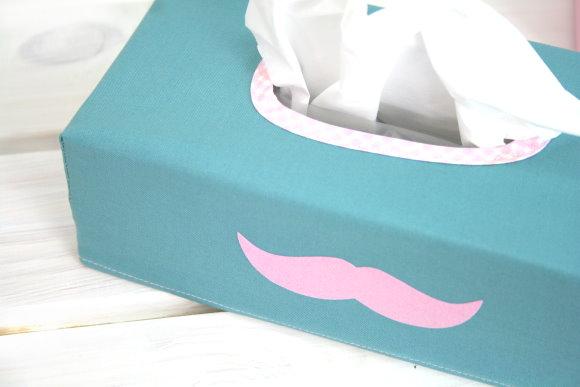 Moustache! Taschentücher-Schnurrbart!
