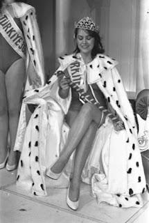 Hulya-avsar-miss-turkey-winnder-1983