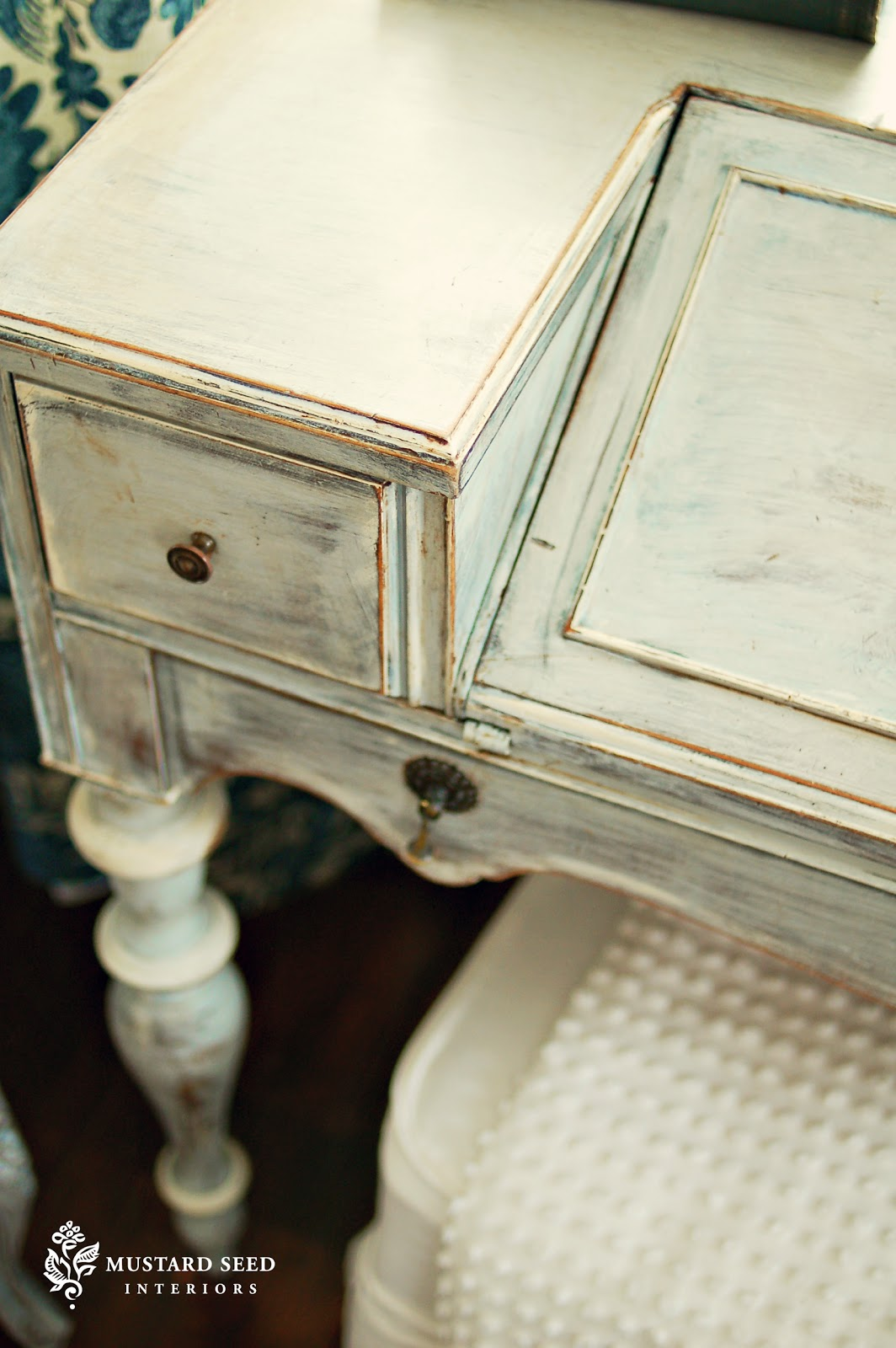 Milk paint vs chalk paint again miss mustard seeds for Painting with chalk paint