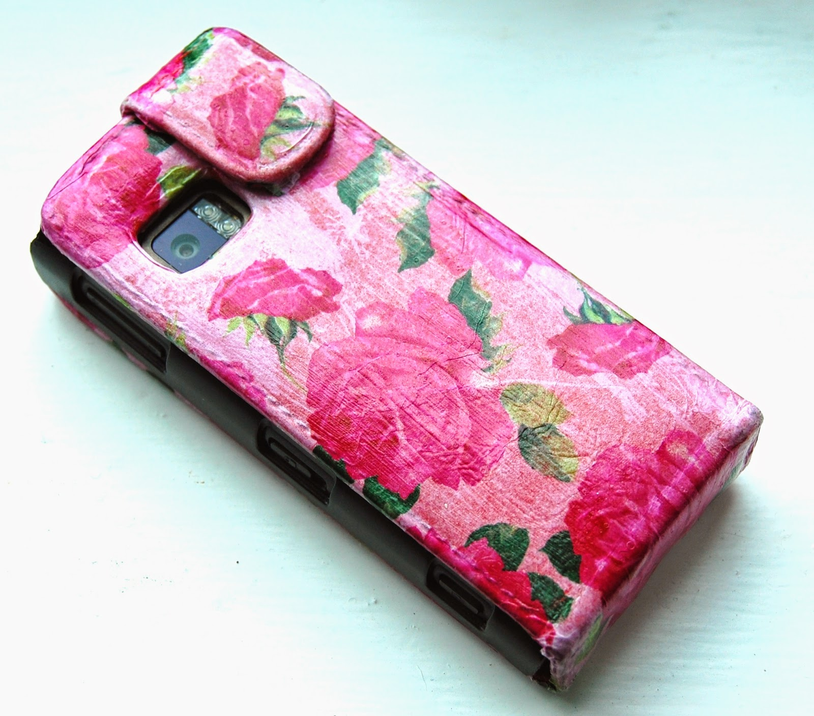 99p phone cover re vamp using decopatch paper diy craft for Mobile case diy