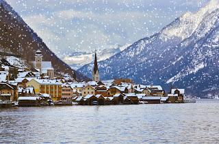 snow over Hallstadt