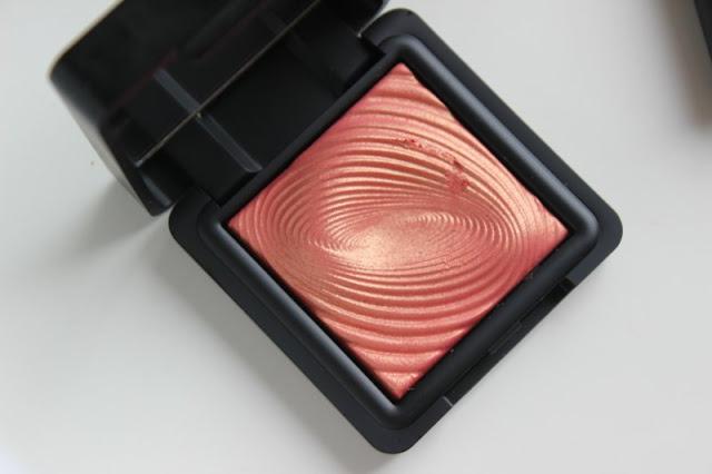 Kiko Water Eyeshadow in Shade 218