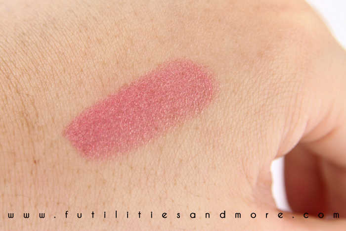 Mac pink lipstick: Bombshell swatch and test
