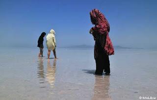 Pulau Arezou Iran, Pulau Dengan Pantai Khusus Wanita