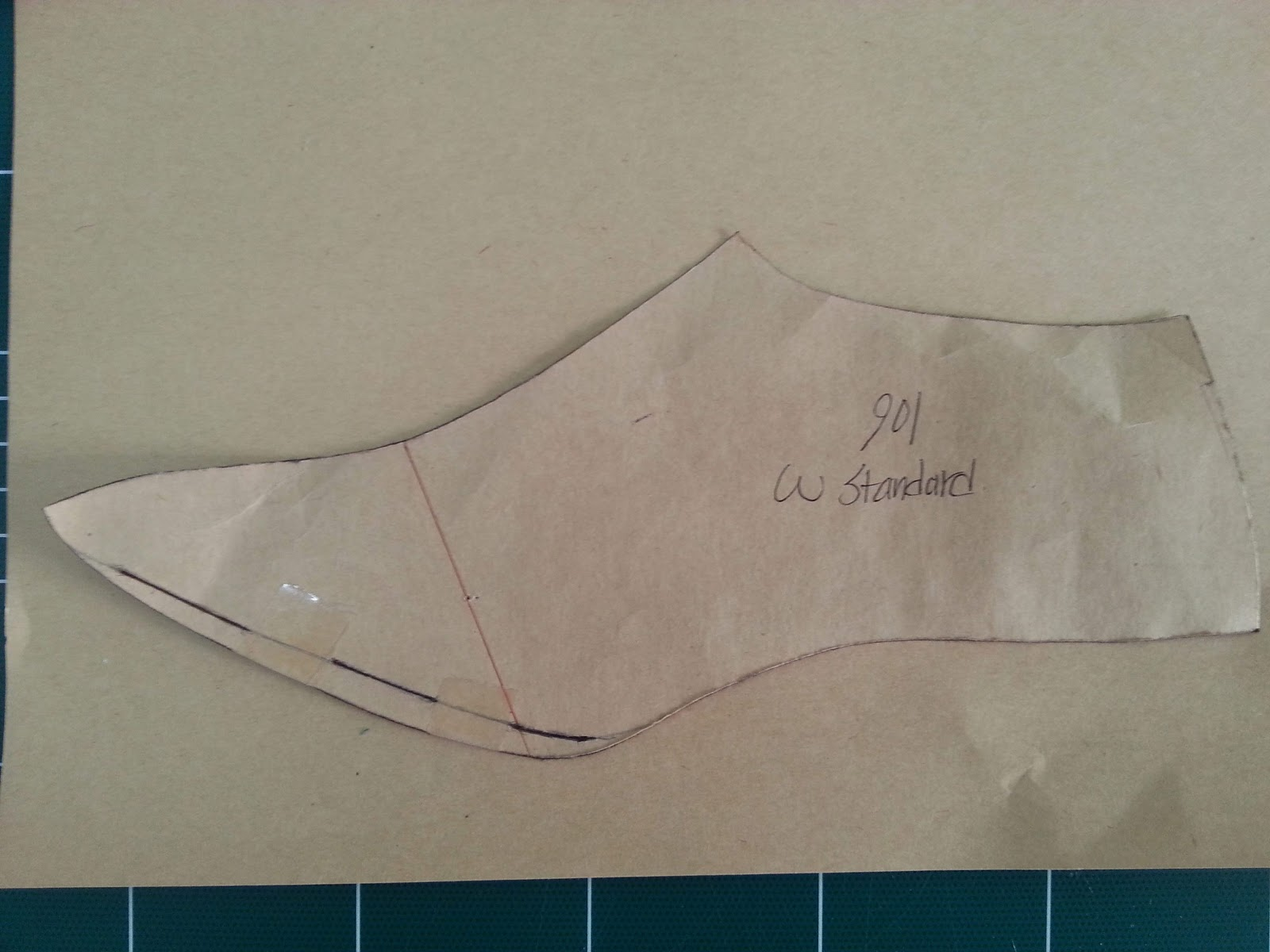 how to make paper witch shoes