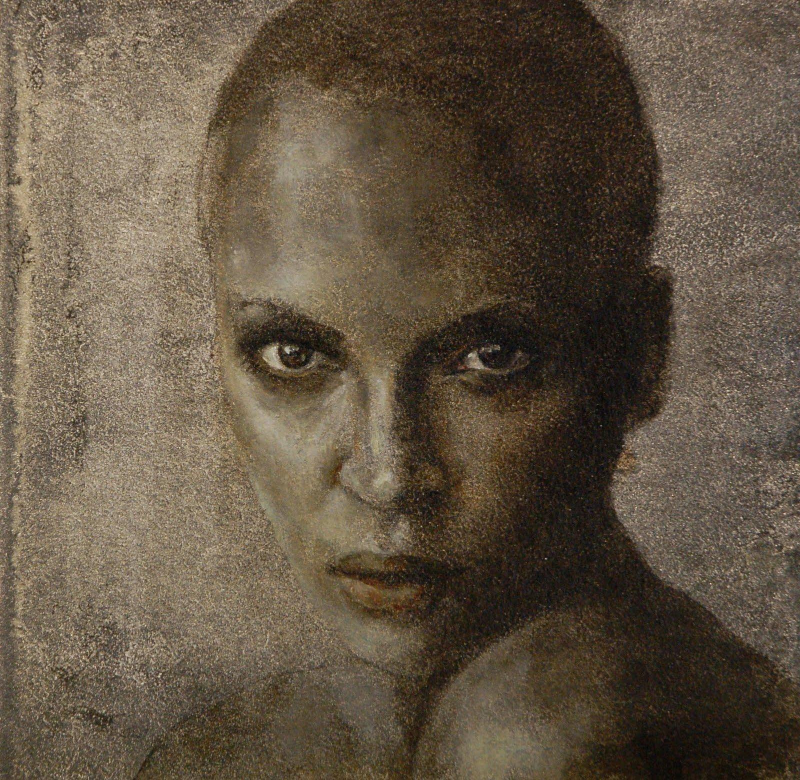 Hannekes studio: silver-grey portrait
