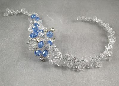 Niebieska ozdoba do włosów - kryształowa gałązka Airy.