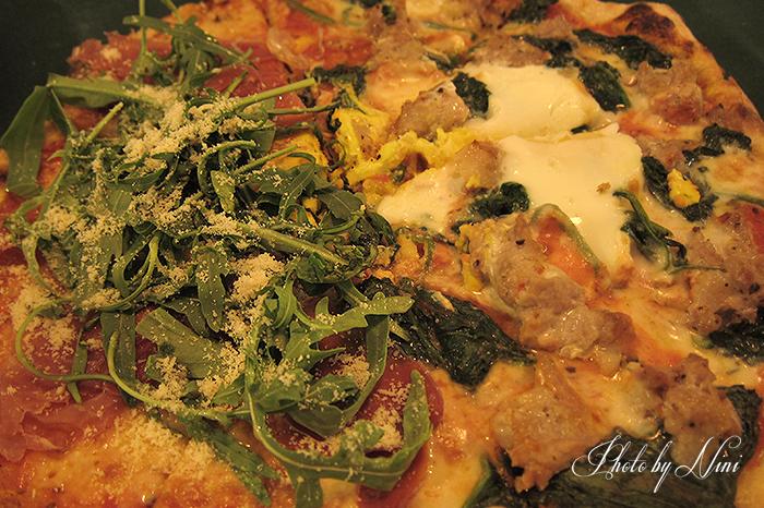 【台北大安區】老烤箱義式手桿披薩。巷弄餐酒館藍心湄喜光顧