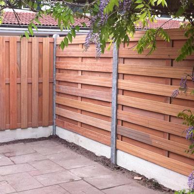 Omheining houten panelen