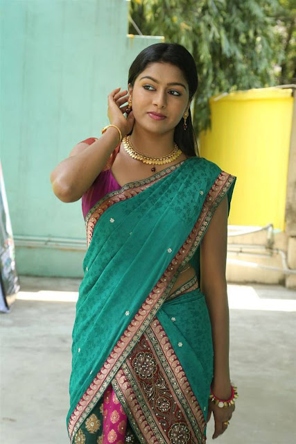 Akshatha Stills At Nanbargal Narpani Mandram Movie Interview