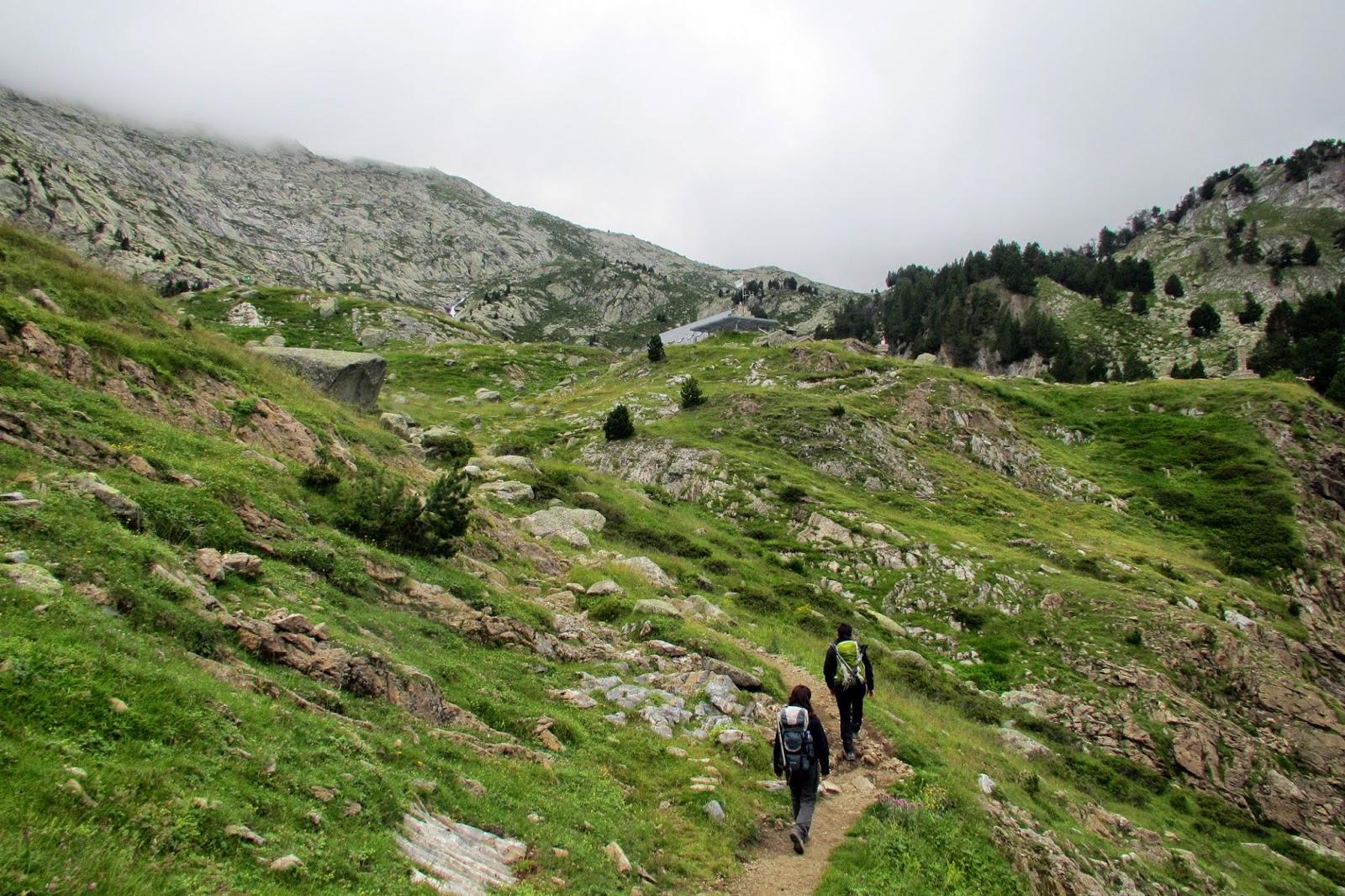 Subida al Refugio La Renclusa desde la Basurta.