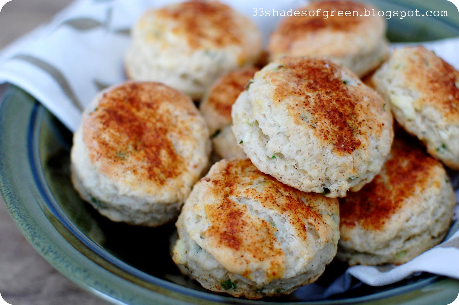 33 Shades of Green: Tasty Tuesdays: Feta, Chive, & Sour Cream Biscuits