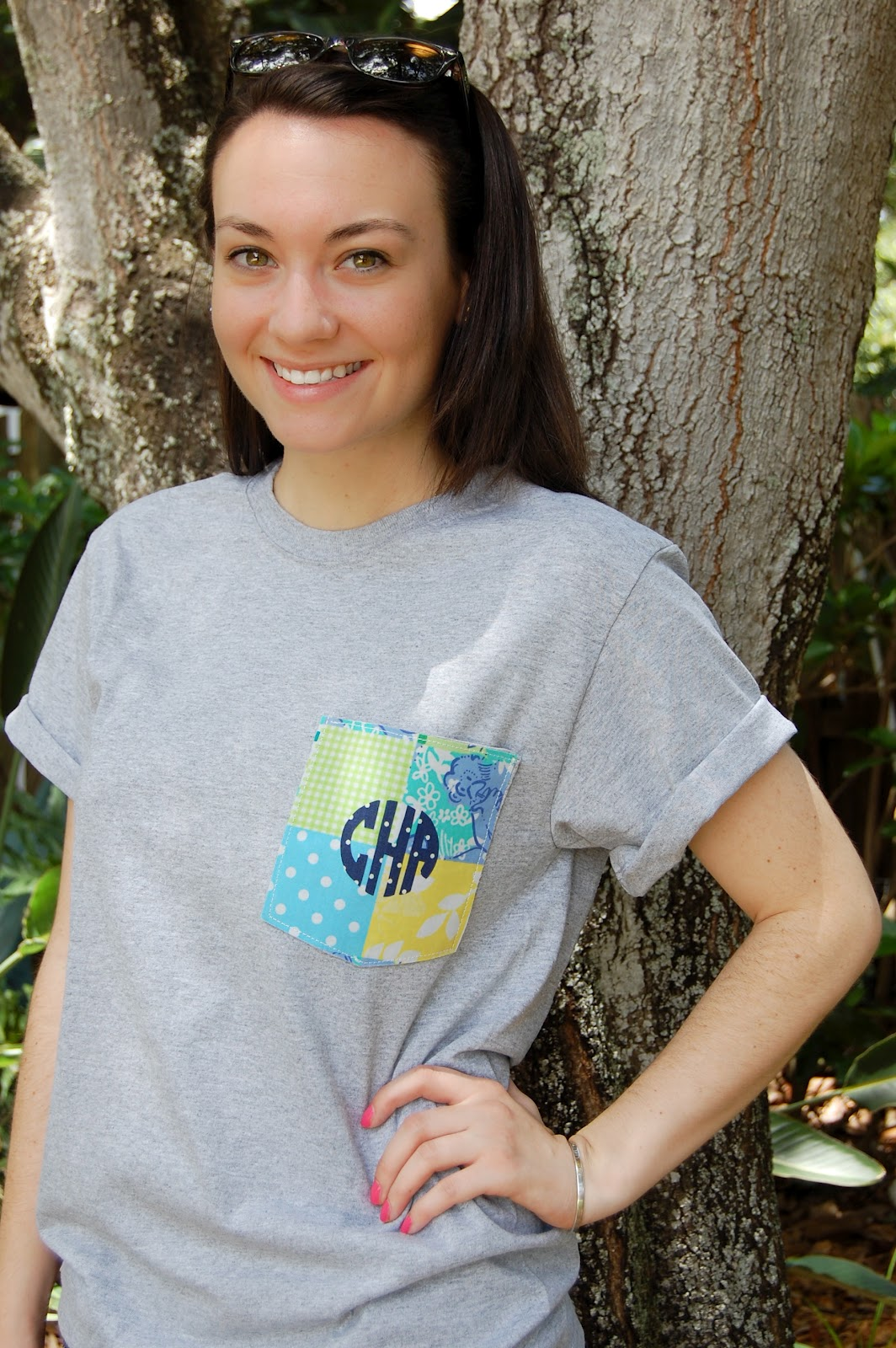 DIY Monogrammed T-Shirt - The College Prepster