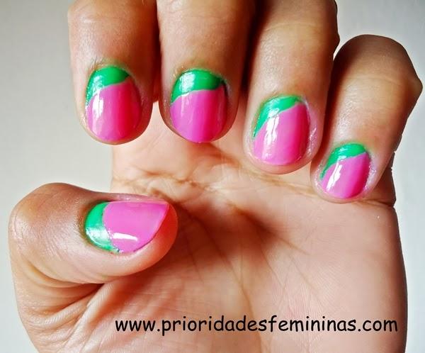 nail arte verde e rosa
