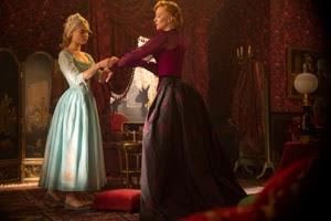 Lily James y Cate Blanchett en Cenicienta