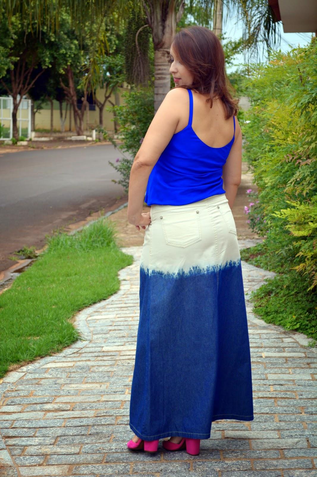 look do dia, blusa azul, vestido branco e dourado, vestido preto e azul, saia jeans, saia jeans lavagem especial, sandália pink arezzo, sandália pink, mix de colares, blog camila andrade, blog de moda em ribeirão preto, blogueira de moda em ribeirão preto, fashion blogger