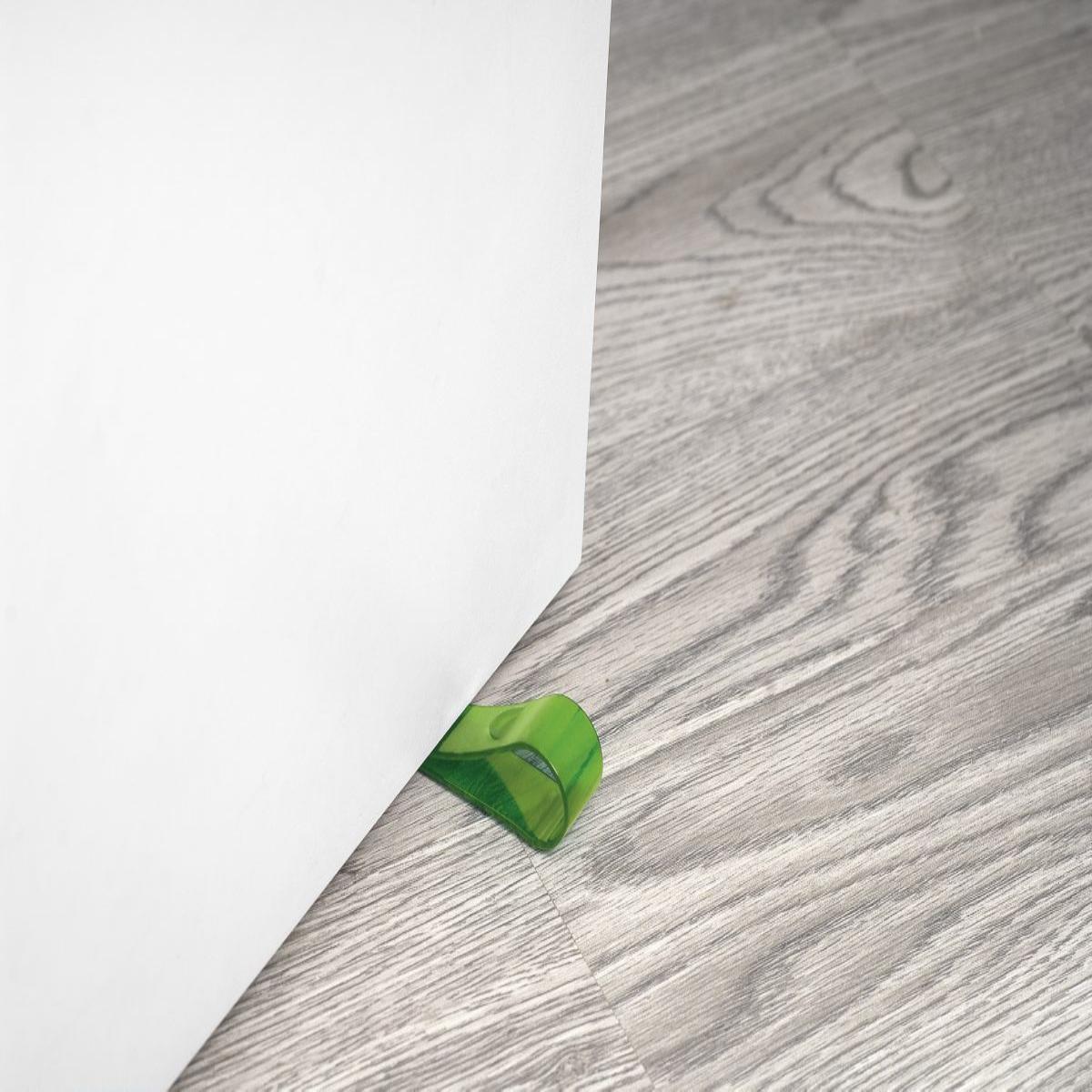 Consigli pratici come bloccare le porte di casa - Porta tocca pavimento ...