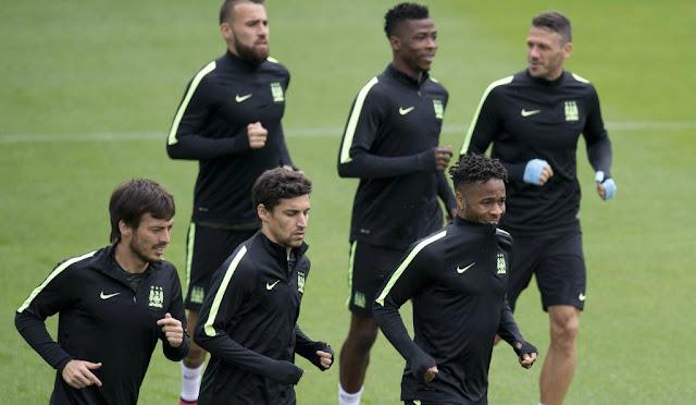 Equipe do Manchester espera sair na vantagem em casa, na abertura do torneio (Foto: Marco Bertorello/AFP)