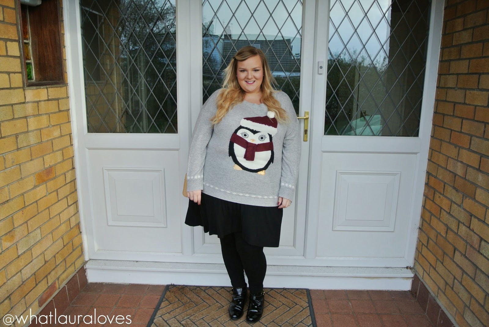Yours Clothing Plus Size Christmas Jumper with Penguin