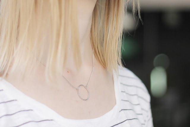 minimal circle necklace