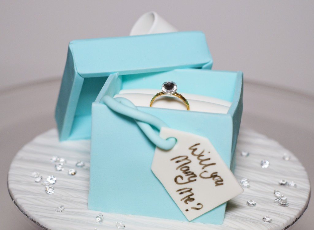 Cakes by mizvuitton the ultimate wedding blog trend for Cute engagement ring boxes