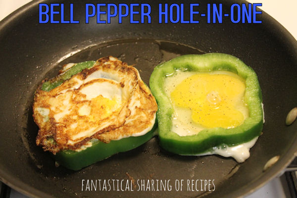 Bell Pepper Hole-in-One - a creative way to eat your eggs | www.fantasticalsharing.com