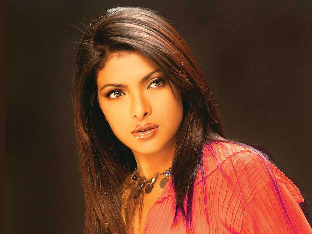 http://2.bp.blogspot.com/-YMDUc8xrfuc/Td_kX9r6tpI/AAAAAAAAALY/tPaimSW2QeE/s1600/Priyanka-Chopra-wallpaper+priyanka+sexy+figure+indian+hot+beautiful+actress.jpg