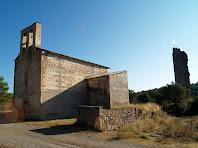 Santa Maria de Merola amb la Torre del Castell