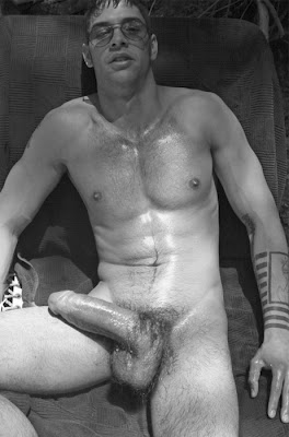 nice dicks An incredibly horny mostly straight man's obsession with nice looking dicks and  the hot chicks who get fucked by them.