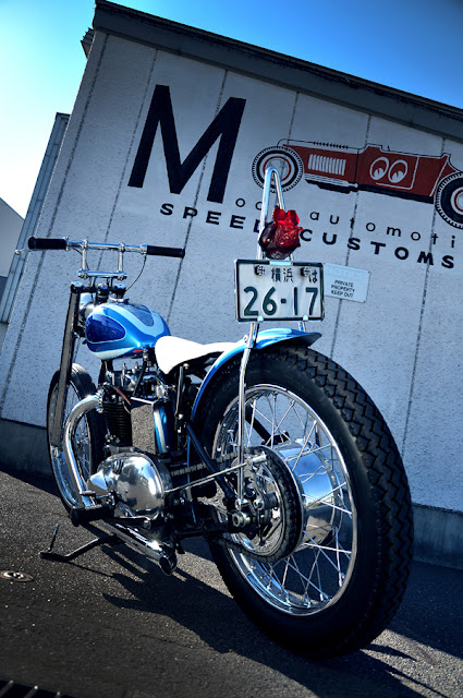 Air cleaner kit together with Mooneyes California Blue 1950 Triumph also Helmets besides 1298119 Honda Vt600 Bobber Custom Cafe Racer Yamaha Dragstar in addition Fat Boy Harley. on mooneyes triumph bobber
