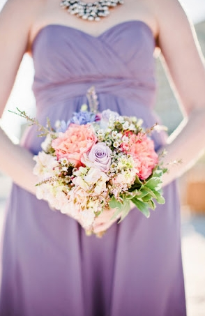 Bouquet for Purple Bridesmaid Dresses