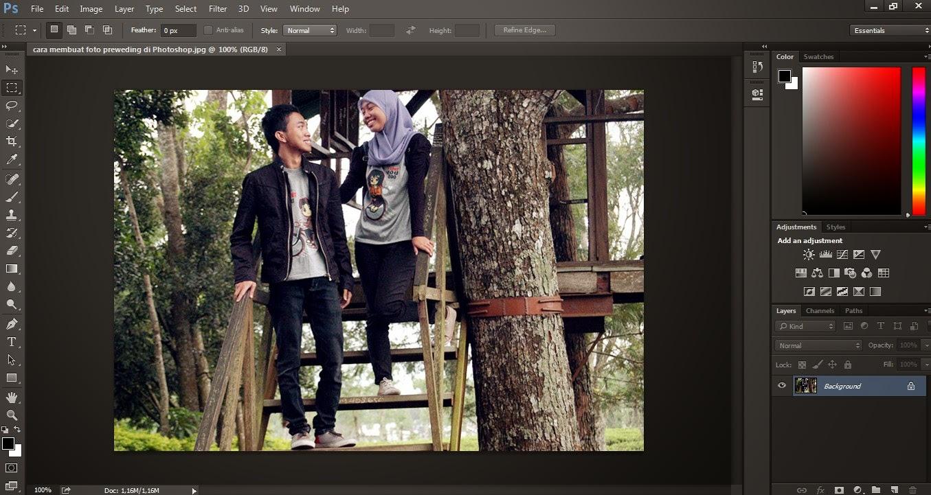 buka photoshop kamu disini saya menggunakan photoshop cc kamu bisa ...