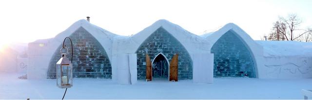 Hotel de Glace - exterior del hotel formado por tres semi arcos de hielo