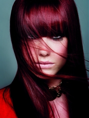 limpiar hembra cabello rojo