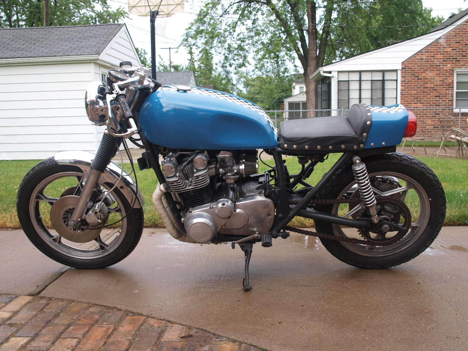 Build Shit Dude Suzuki Gs750 Cafe Mad Max Engine Diagram Also My Mother Made Me A Leather Seat Which I Love It Is The First Peace Of Work Done On Bike That Wasnt Performed By