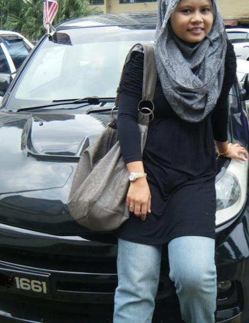 women in black..:)