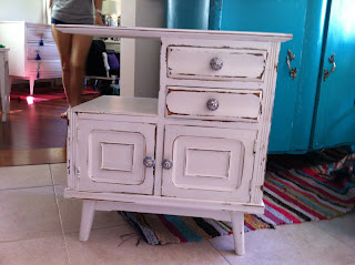 Vintouch muebles reciclados pintados a mano octubre 2012 - Comoda vintage blanca ...